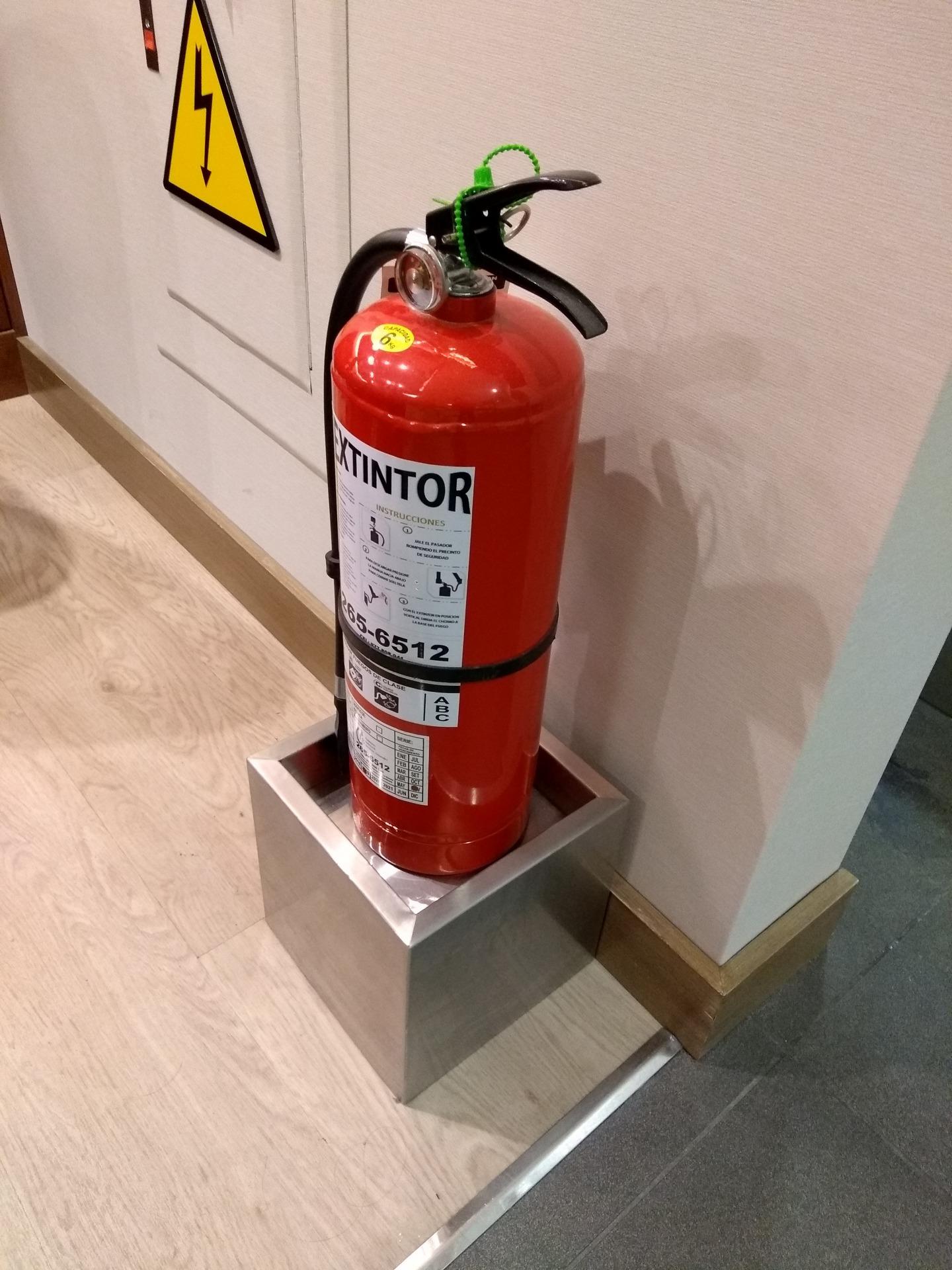 Perú R Aero - Base extintor A - Castellano