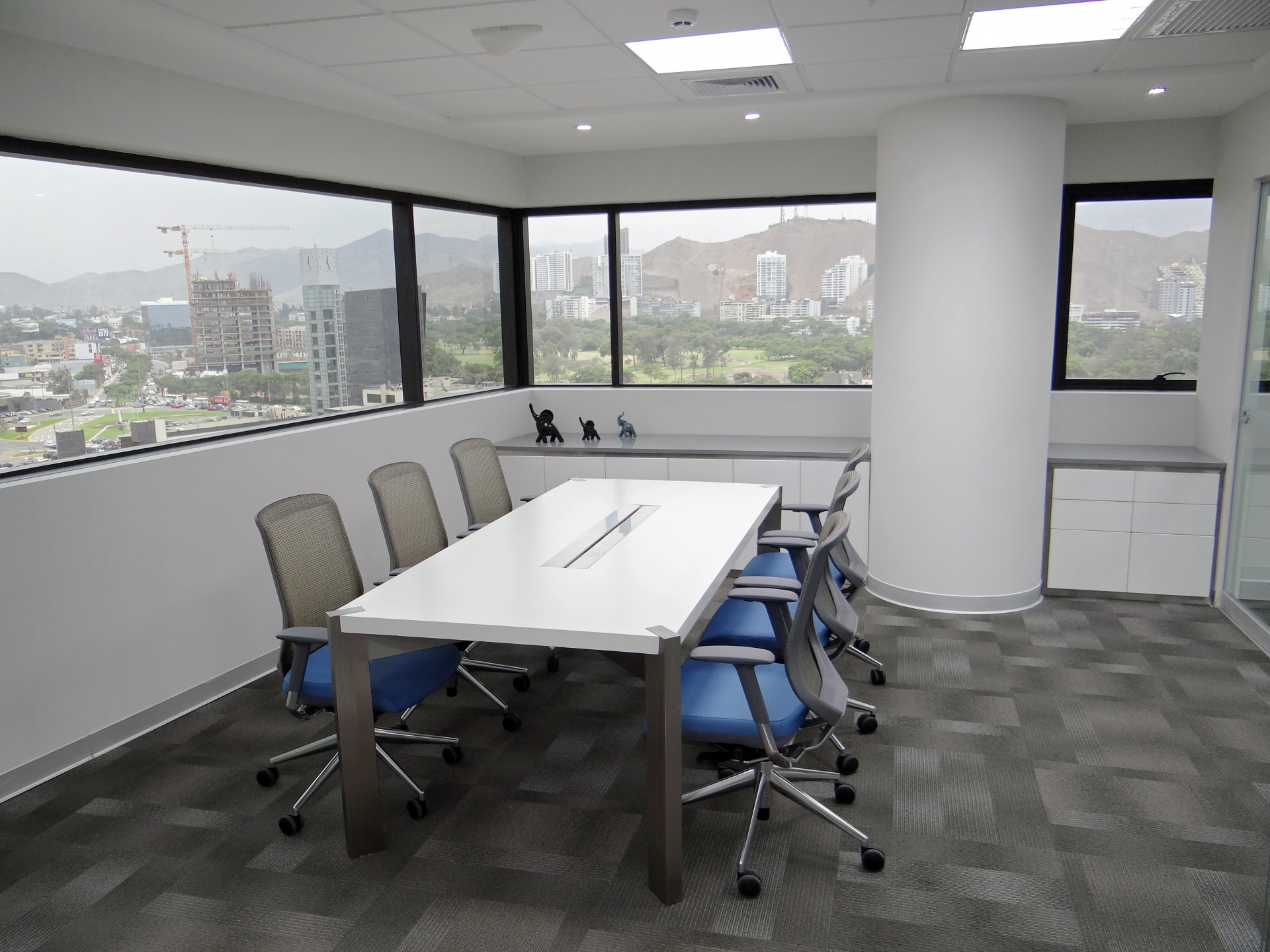 Peruvian S - Sala de reuniones A - Castellano